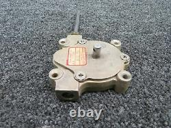 HE7001-5 Beech Baron 58 Fuel Selector Control Box