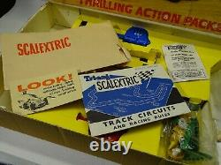 SCALEXTRIC JAMES BOND 007 GOLD FINGER 1/32 SLOT CAR SET BOX controllers & PARTS